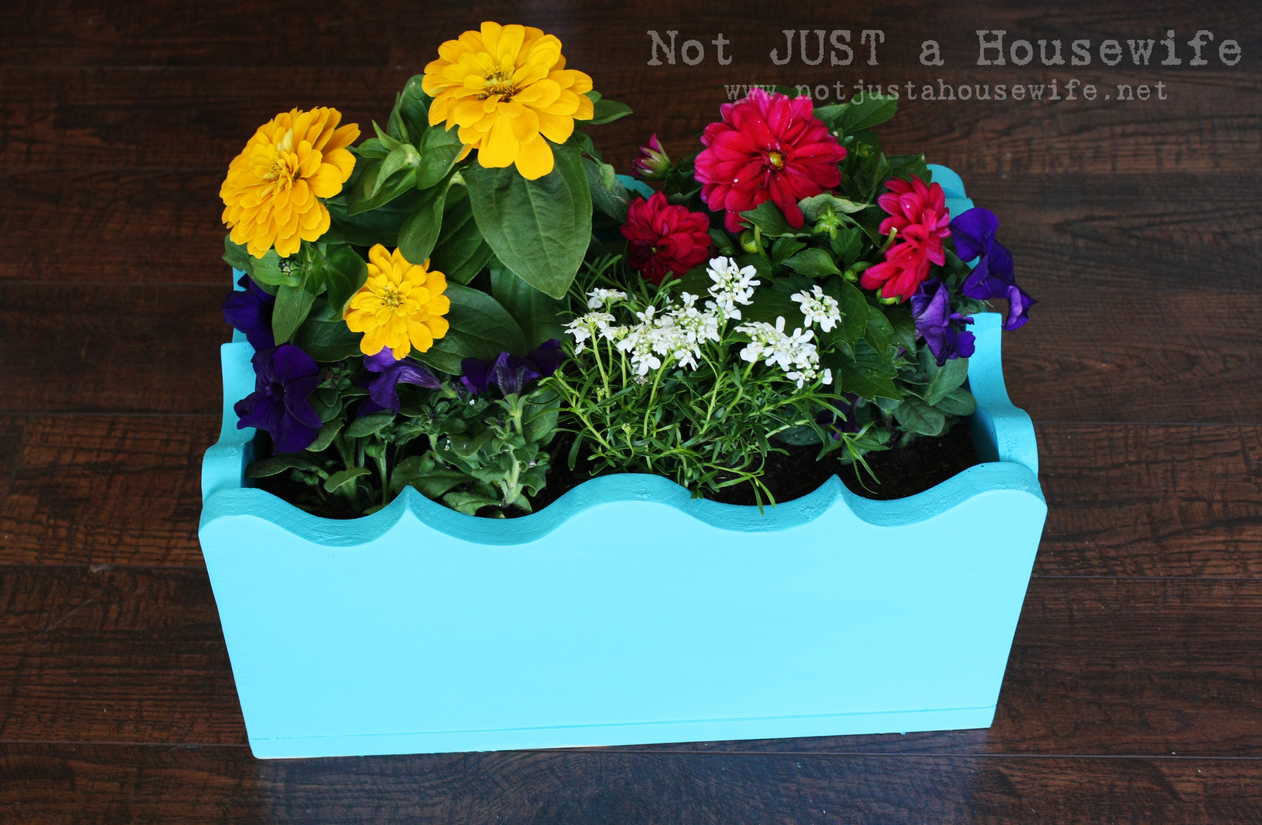 build your own planter box not just a housewife. Black Bedroom Furniture Sets. Home Design Ideas
