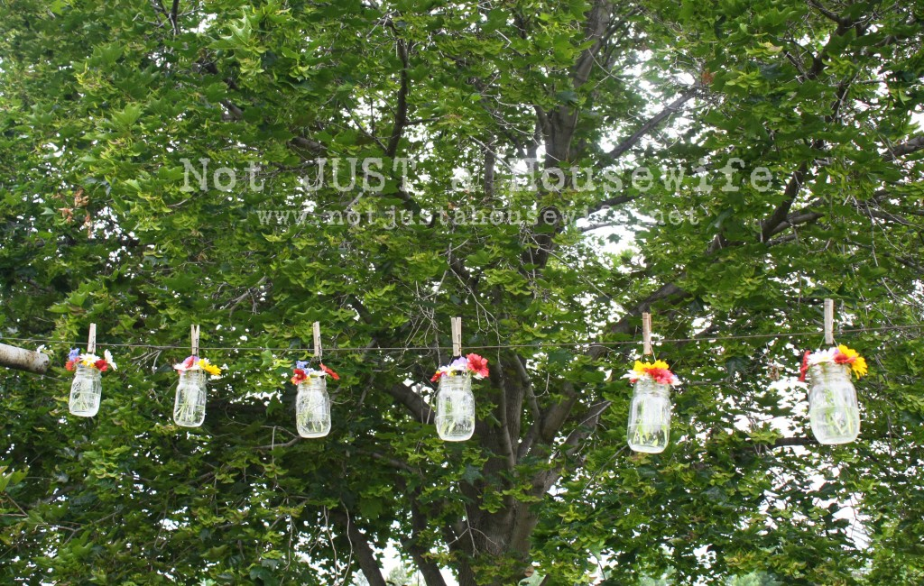 flowers clothes line 1024x650 Flowers On The Clothes Line