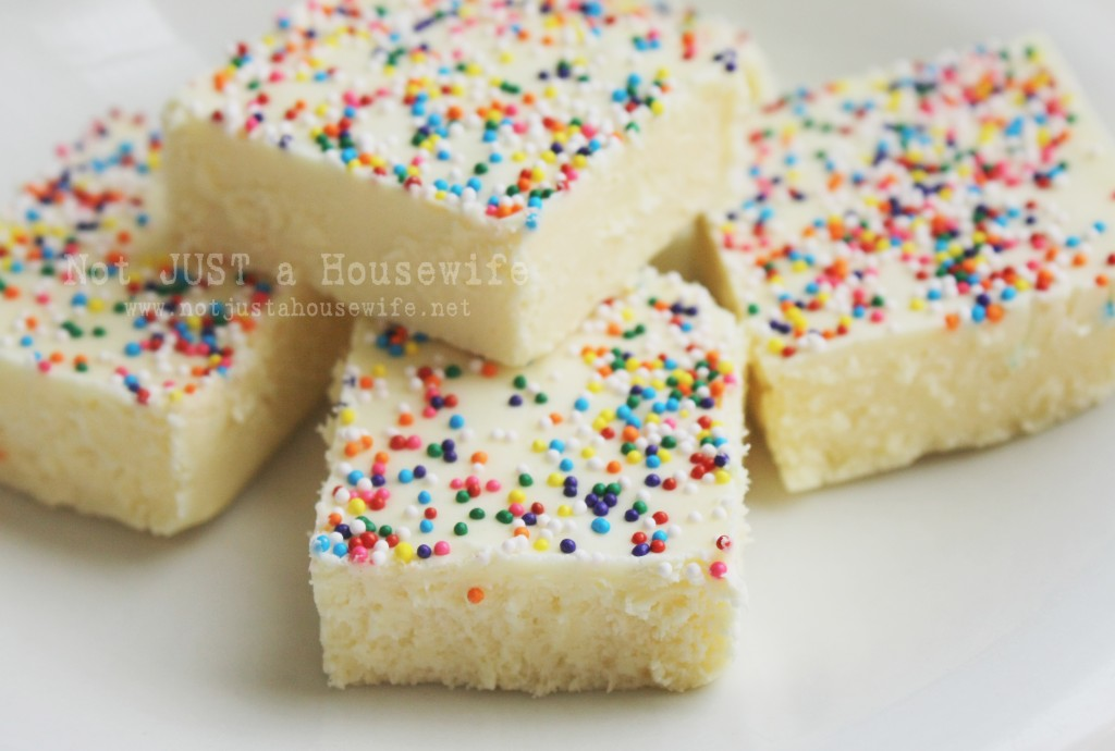 cake batter fudge 1024x690 Cake Batter Fudge
