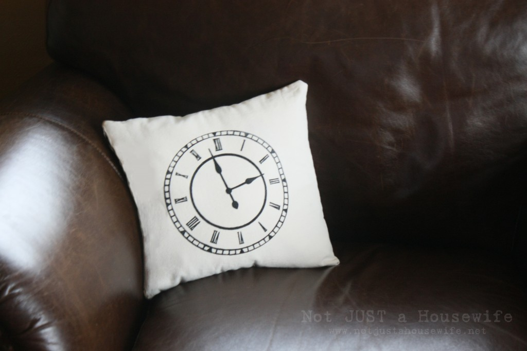 pillow 1024x682 Clock Pillow