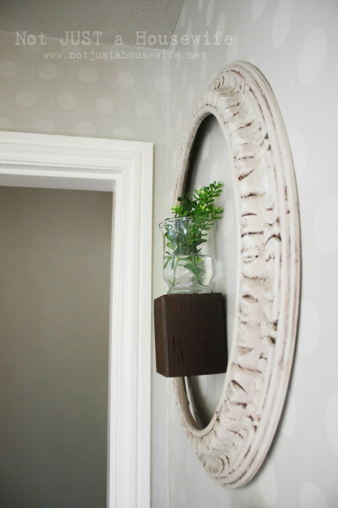 frame around plant 682x1024 My Hallway has me seeing SPOTS
