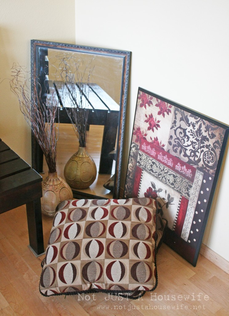 entry decor 744x1024 Decorating someone elses house: Part 3 (building an entryway bench)
