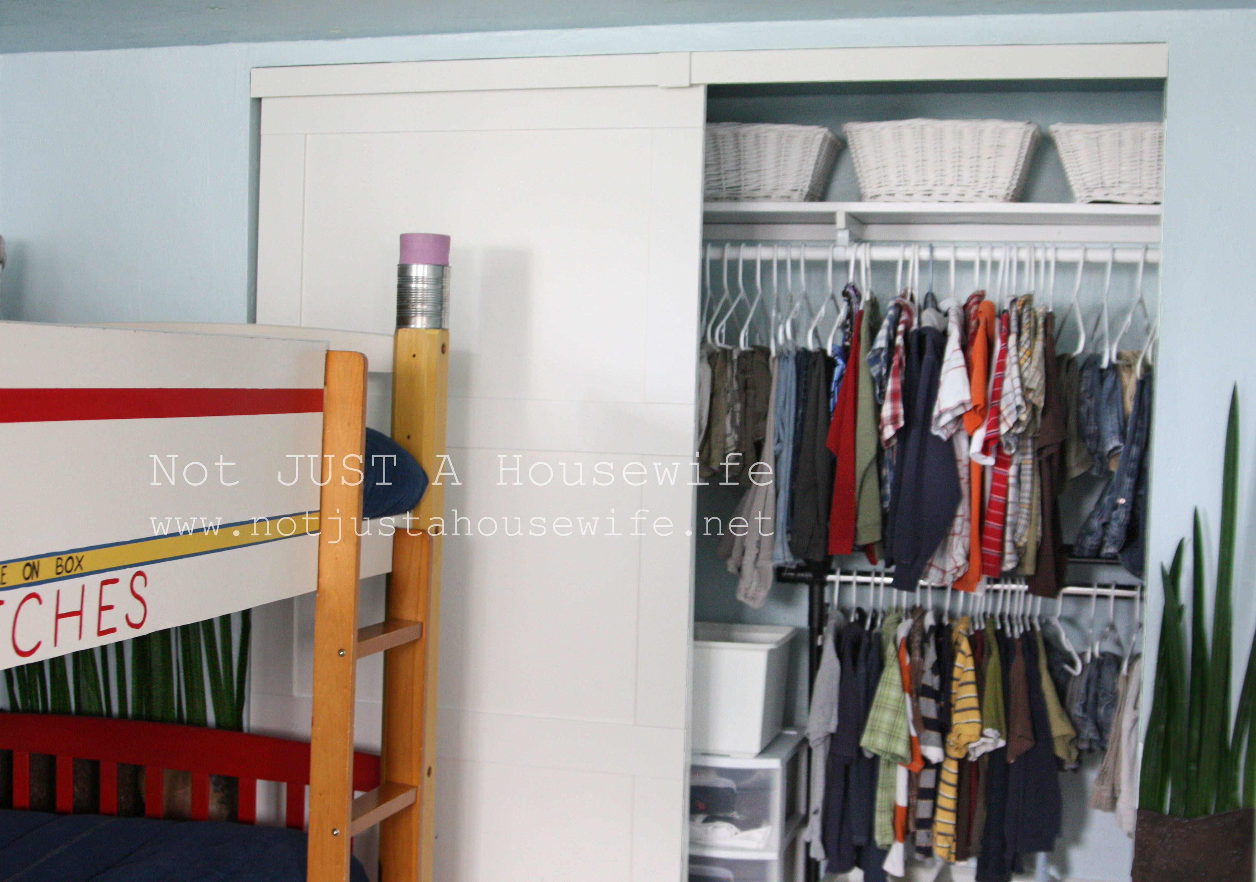 Apartment storage closet: space saving organization ideas for when ...