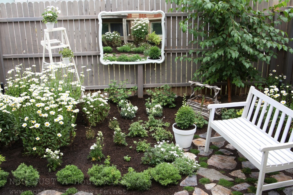 Welcome to my secret garden not just a housewife for Creating a small garden