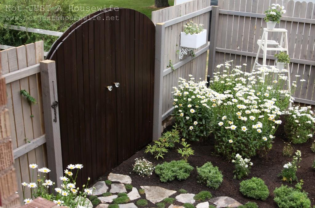a-secret-garden