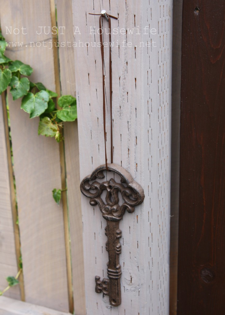 secret garden key close up 733x1024 Welcome to my secret garden....