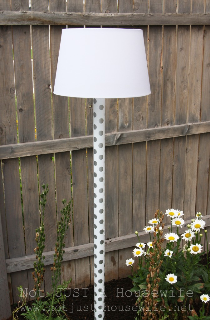 solar powered lamp 673x1024 Outdoor Solar Lamp Tutorial