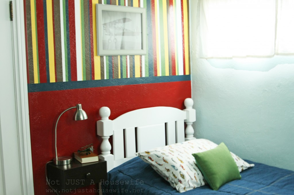 boy room stripes 1024x680 An Airplane Bedroom