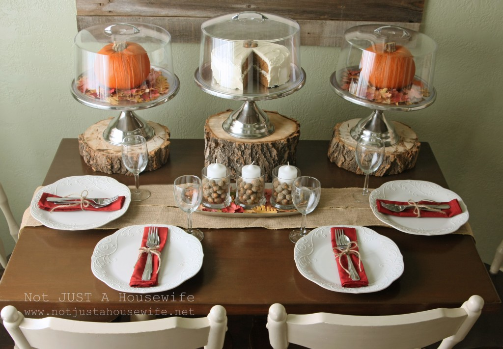 fall table setting 1024x711 Holiday Tablescapes {Thanksgiving &Christmas}