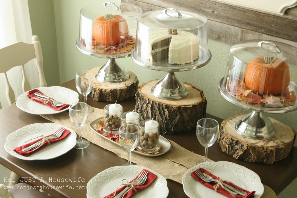 table scape close up 1024x682 Holiday Tablescapes {Thanksgiving &Christmas}