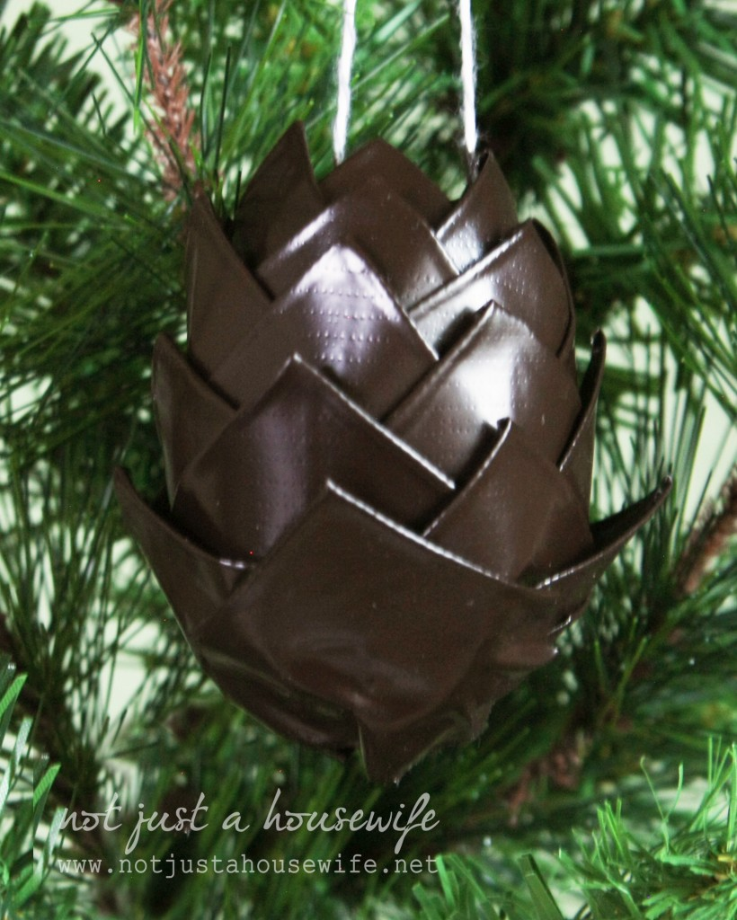 duct tape pine cone 3m 820x1024 Holiday Decor {made from duct tape}