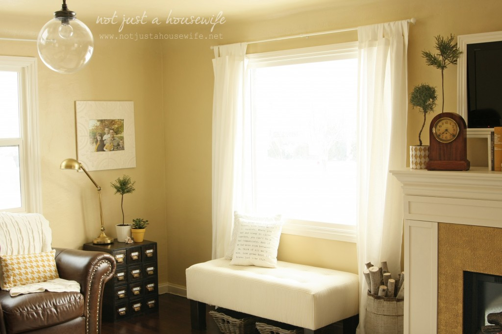 family room bench1 1024x682 Cheerful Yellow Family Room {The BIG Reveal!!!!}