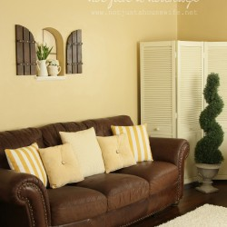 family-room-couch-pillows11-250x250