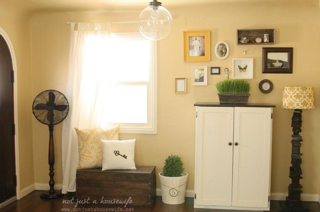 family-room-floor-fan