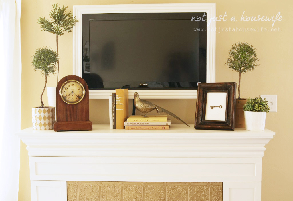 family-room-mantel