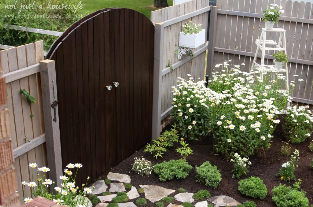 secret-garden-gate-above