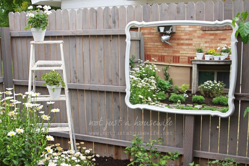 secret-garden-mirror