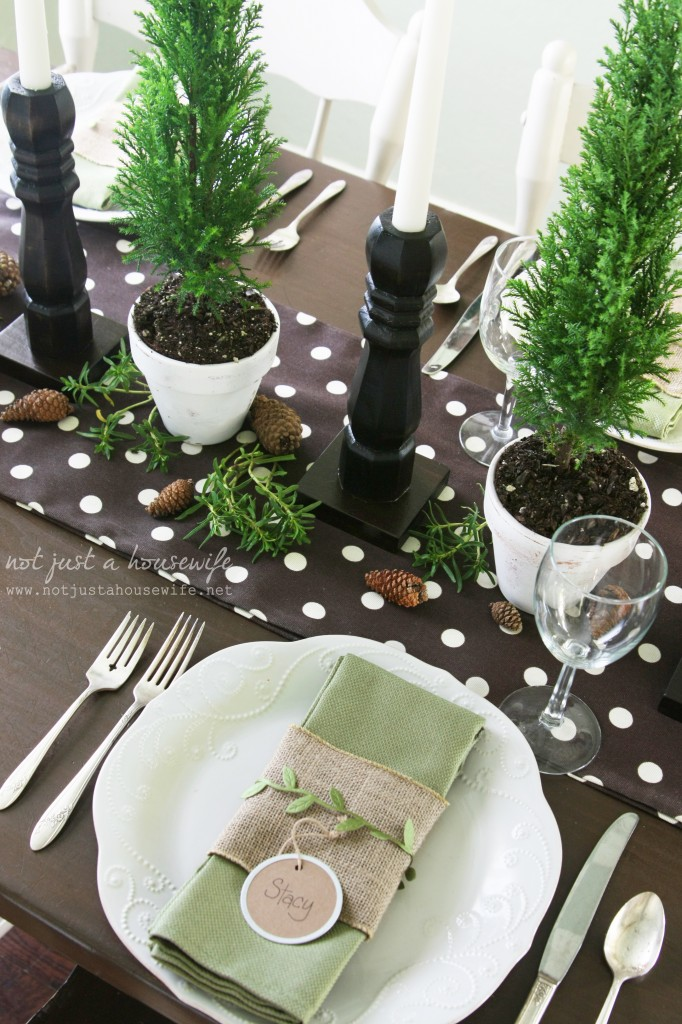 christmas table12 682x1024 Christmas Tablescape