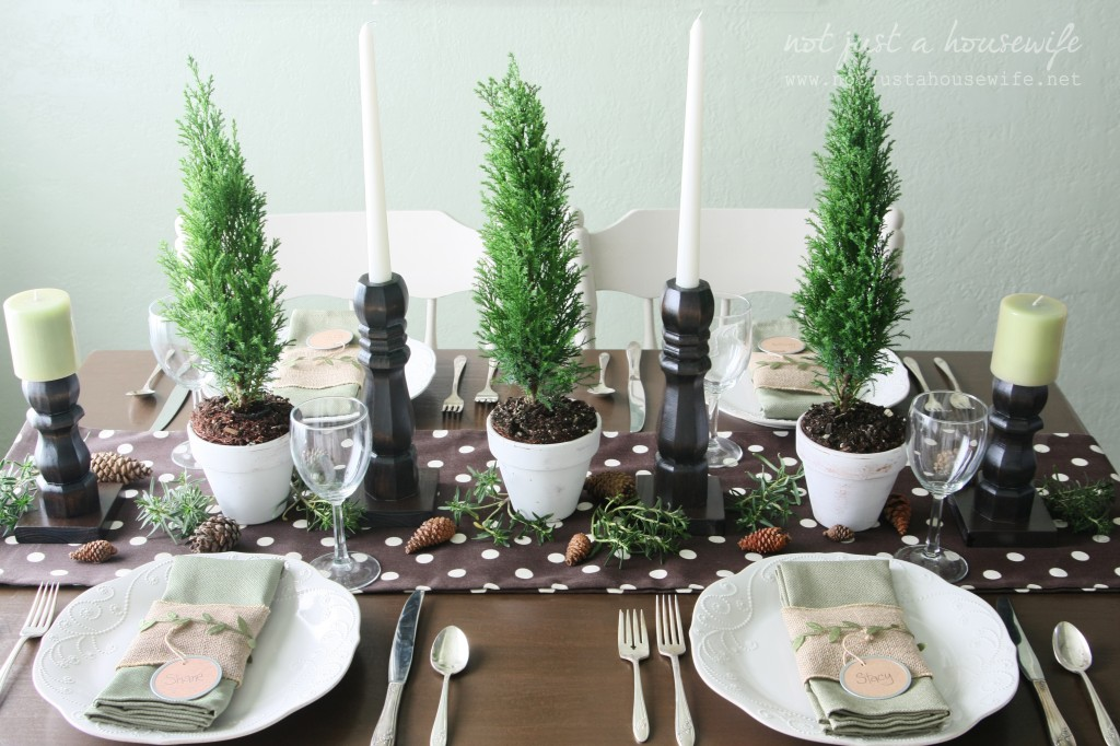 christmas table2 1024x682 Christmas Tablescape
