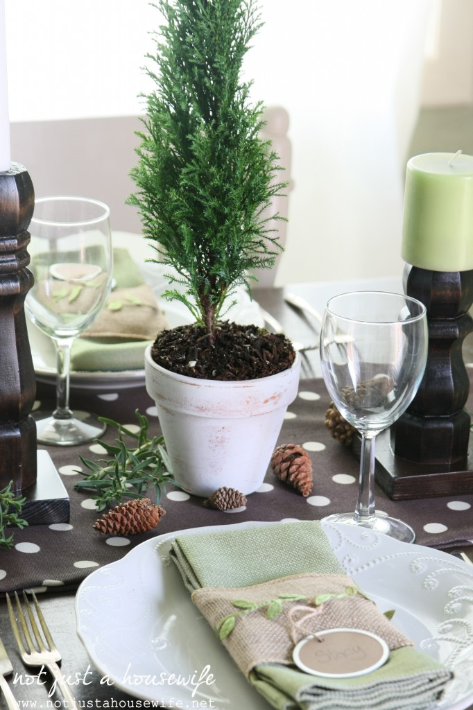 christmas table6 682x1024 Christmas Tablescape
