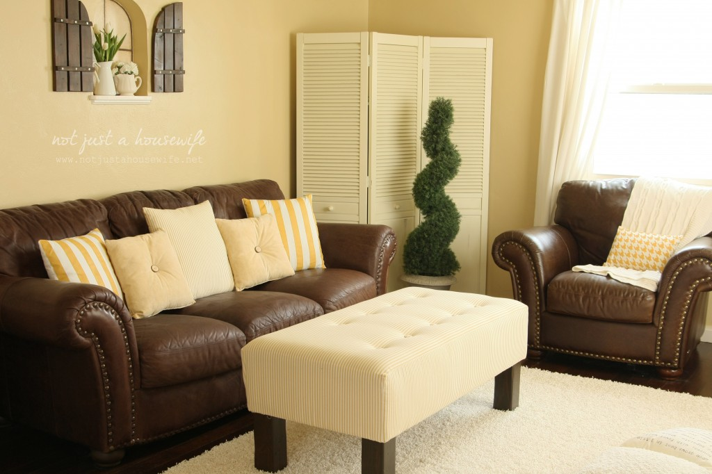 family room makeover: TONS of DIY projects!