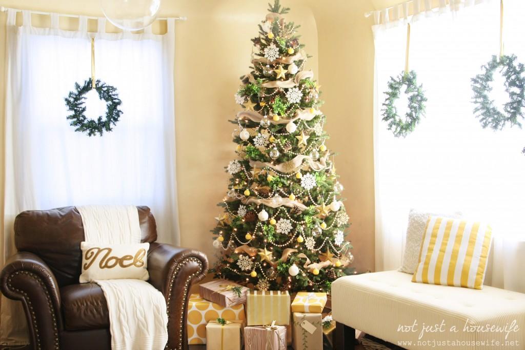 family-room-christmas decor