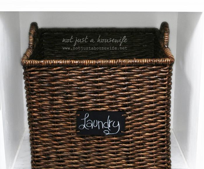 bathroom-shelf-basket