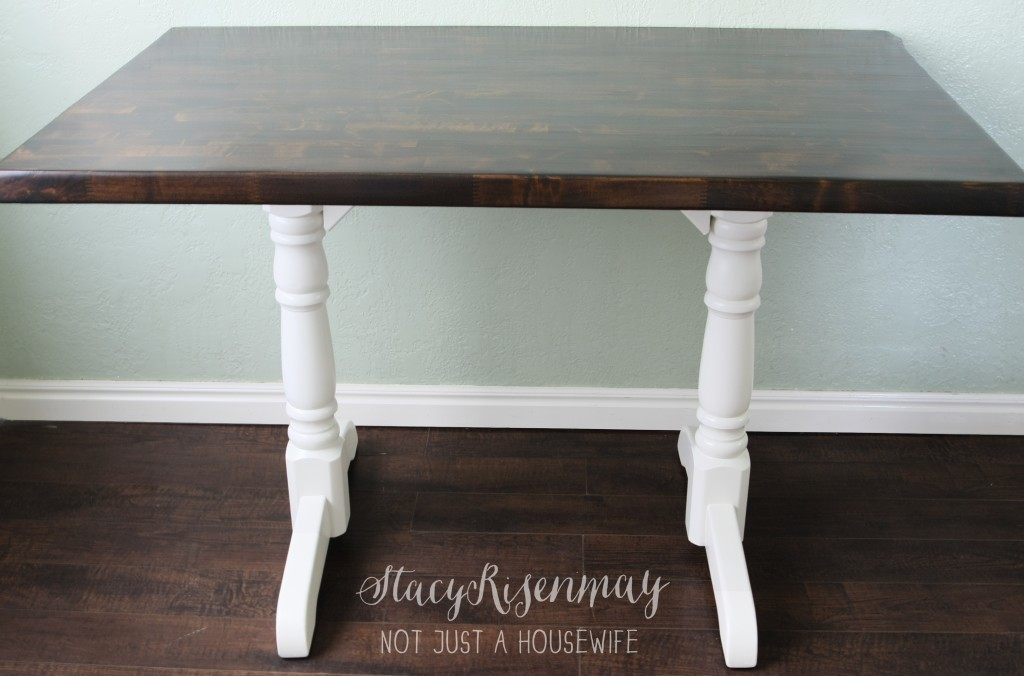 refinished table top 1024x676 How to Refinish A Table