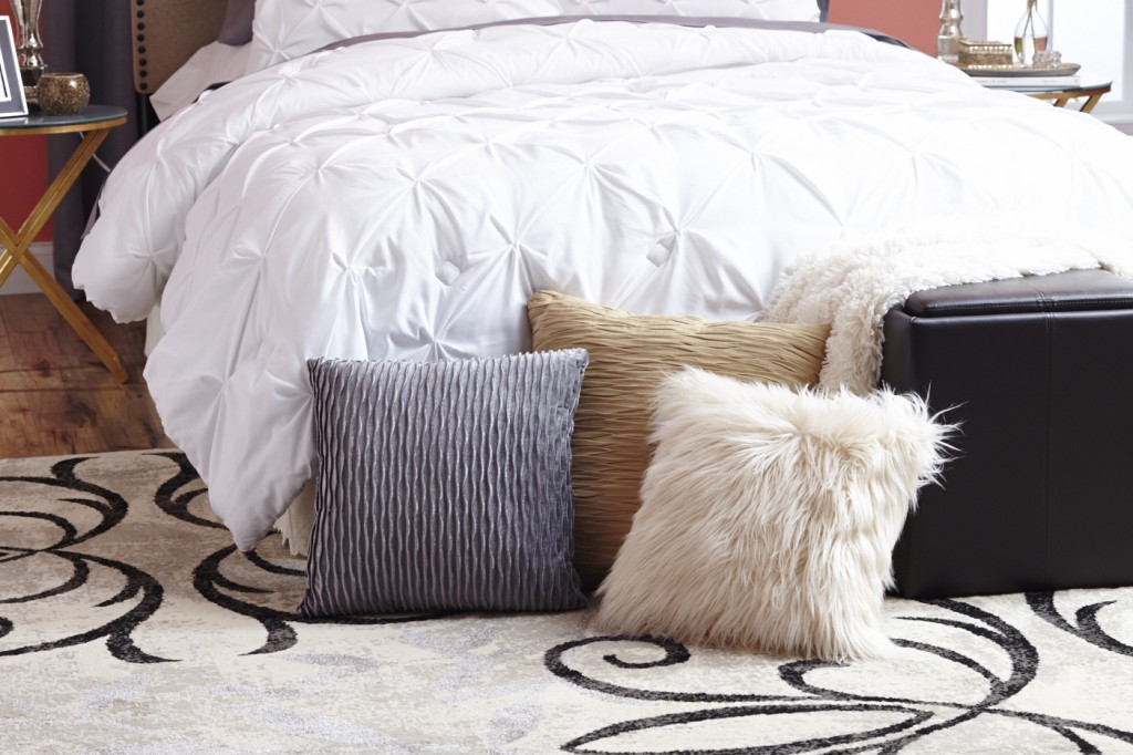 bhg Glam_Pillows[1]