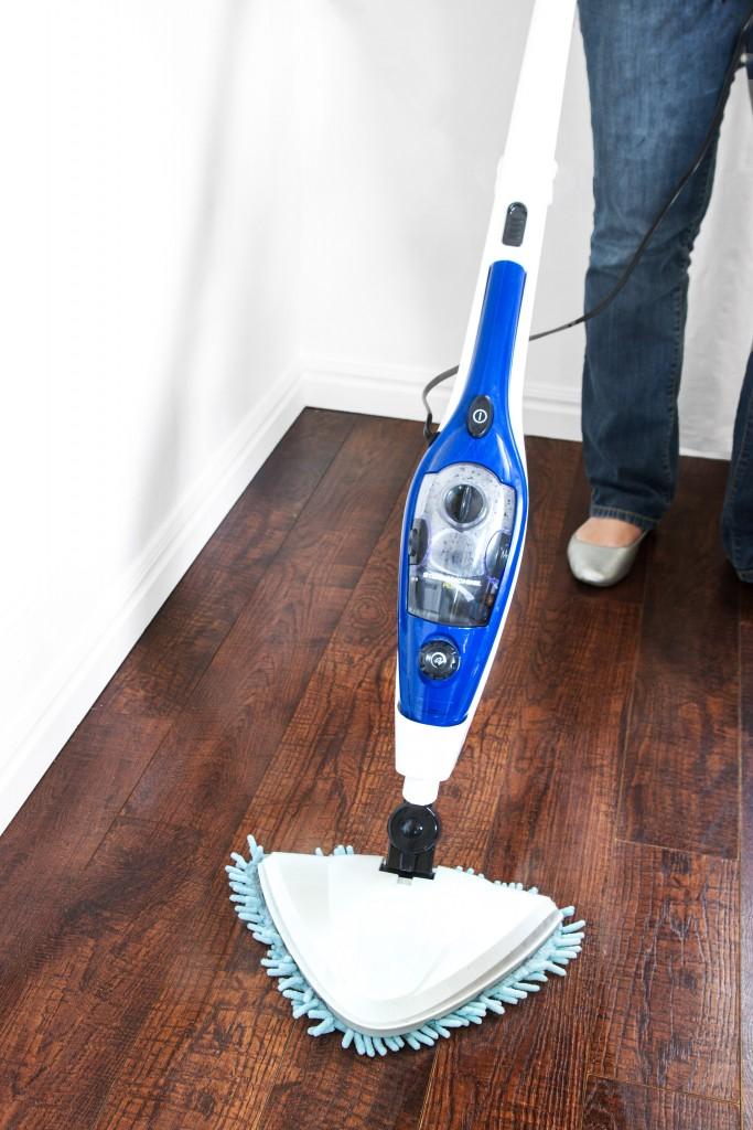 steam mop plus sanitizes floors