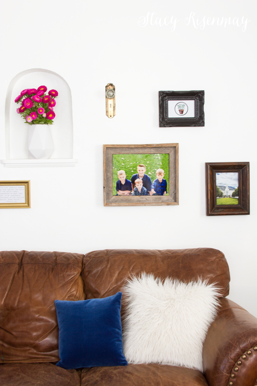 gallery-wall-in-family-room