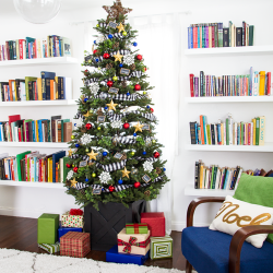 Christmas-tree-in-family-room