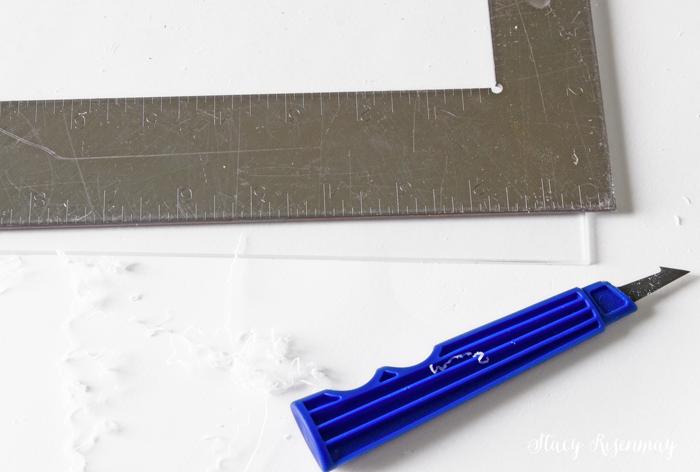 cutting-plexiglass