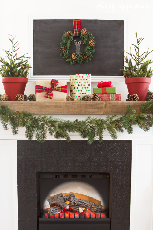fireplace-decorated-for-Christmas