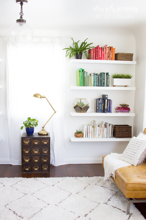 family-room-book-shelves