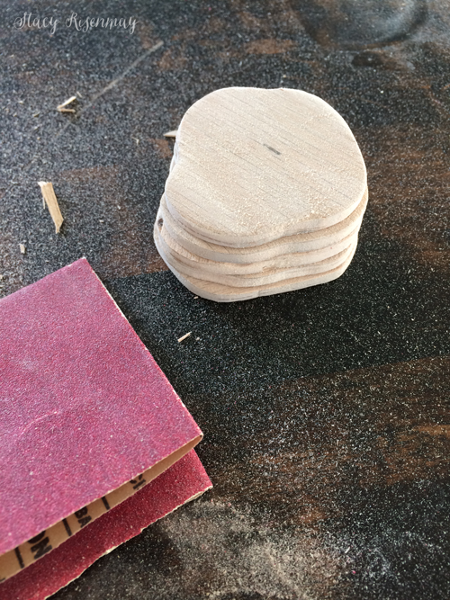 sand-wood-pieces