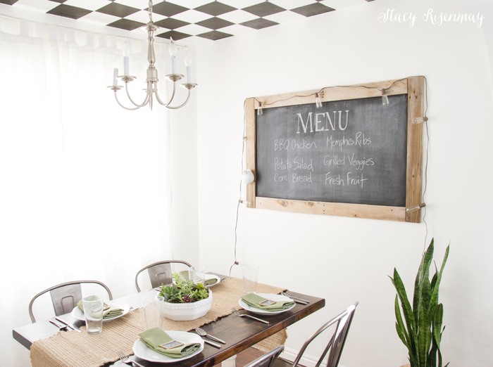 Dining-room-with-chalkboard-menu1