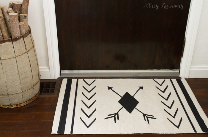 black-and-white-painted-rug-tutorial