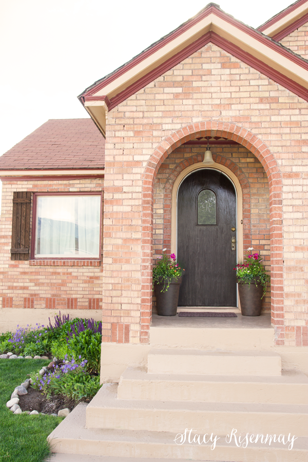 curb appeal with spring flowers