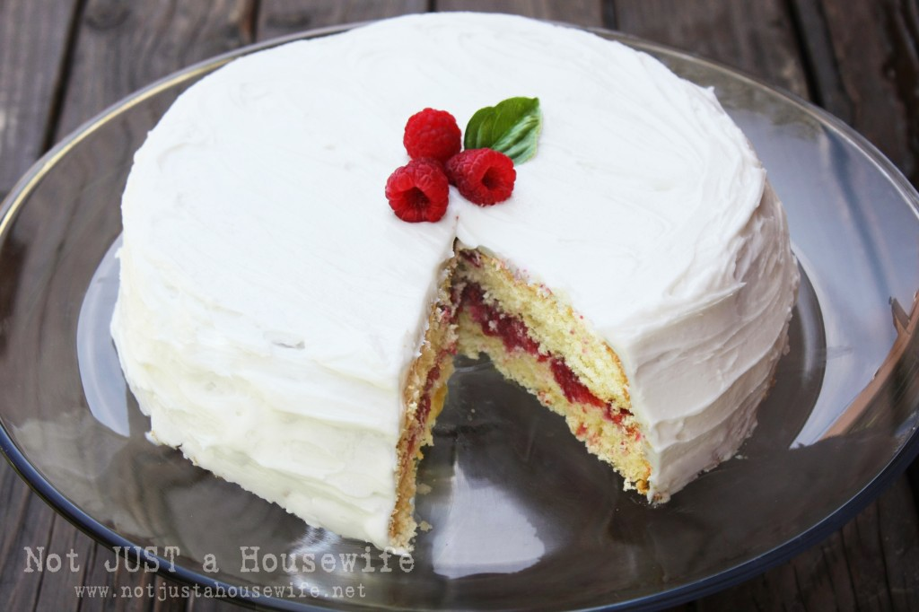 raspberry cake with filling
