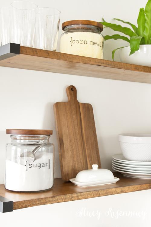 farmhouse-decor-kitchen-shelves