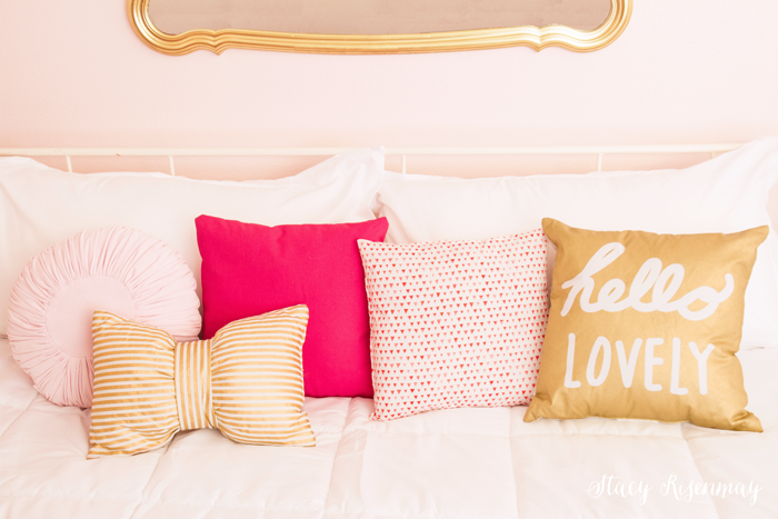 pink-and-gold-pillows