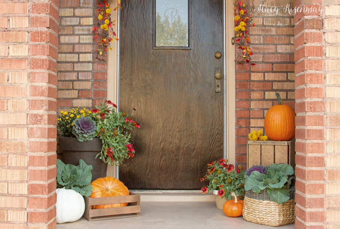 front-porch-decorated-for-fall