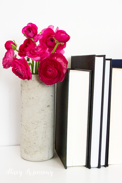 Easy DIY concrete vase!