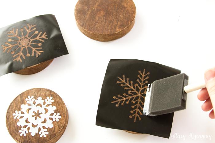 stencil-snowflakes