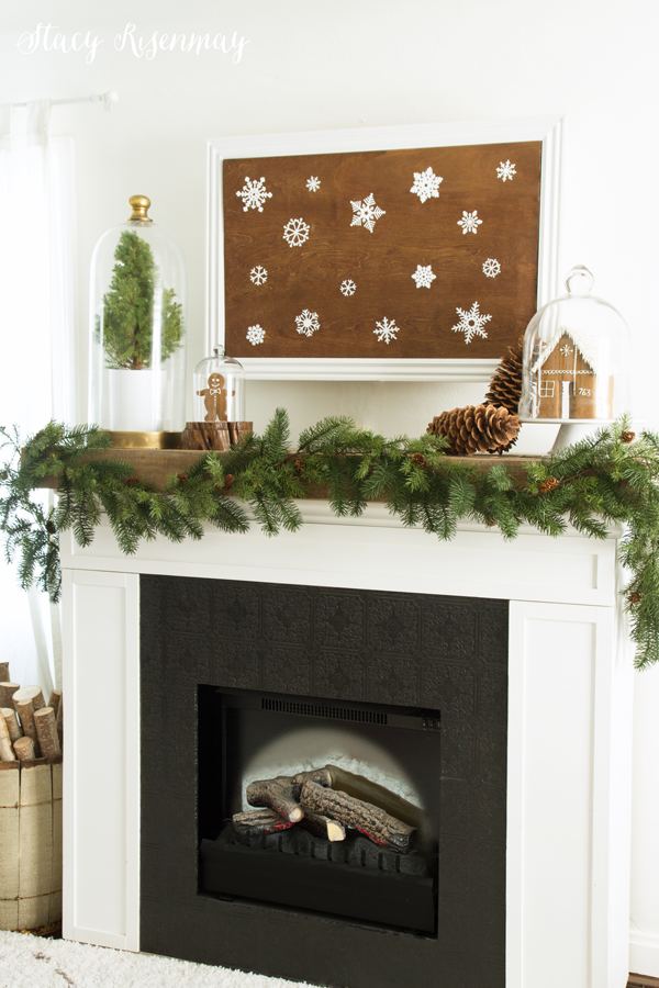 christmas-snowflake-mantel