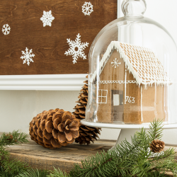 featured-image-gingerbread-house-on-mantel