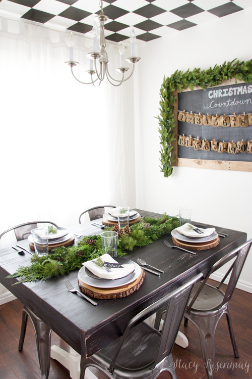 holiday-dining-room-with-greenery