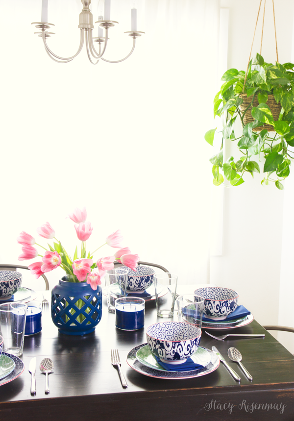 geometric-vase-and-patterned-dishes