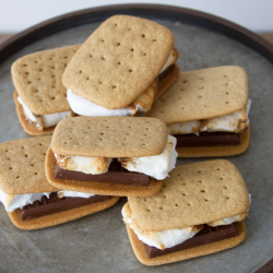 homemade-graham-crackers-for-smores-BHG